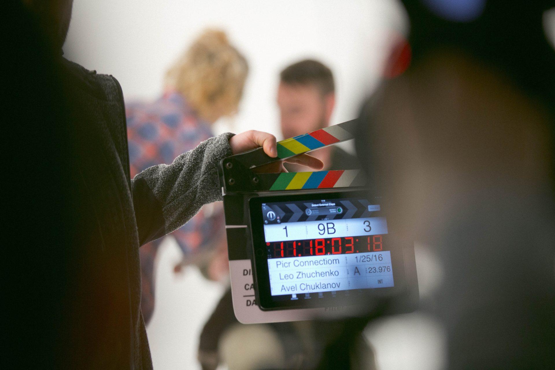 regissör förbereder klappbräda